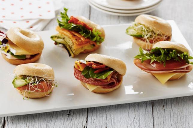 Antipasti sfiziosi ecco i panini di natale per l for Idee per aperitivo a casa