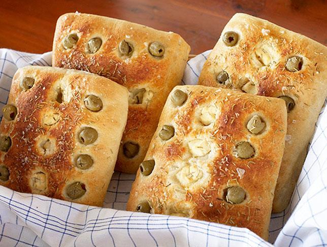 Focaccia alle olive fatta in casa