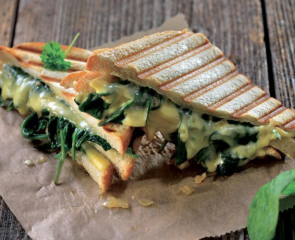 Toast con prosciutto, spinaci e gorgonzola la ricetta
