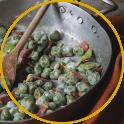 Gnocchetti verdi, taccole, petali di prosciutto crudo, pinoli e besciamella