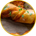 Salami-pizza-flavoured puff-pastry breadsticks