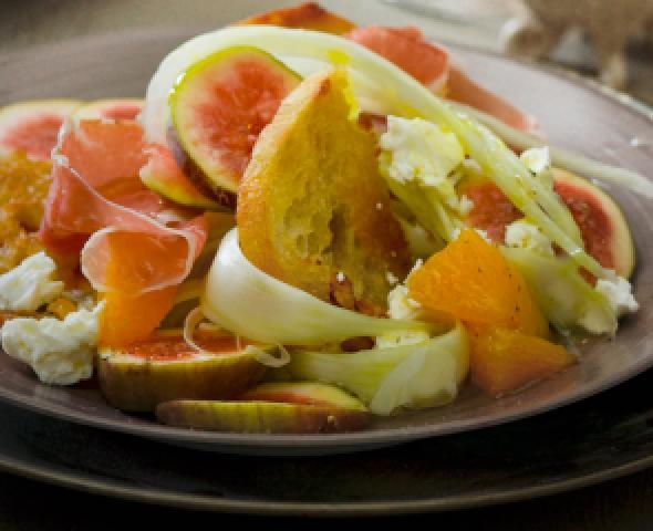 Salade de fenouils, d'oranges et de dés de jambon cuit