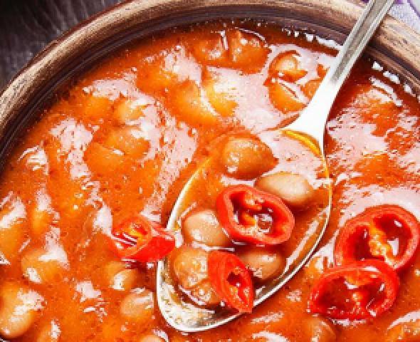 Soupe de haricots secs à la saucisse