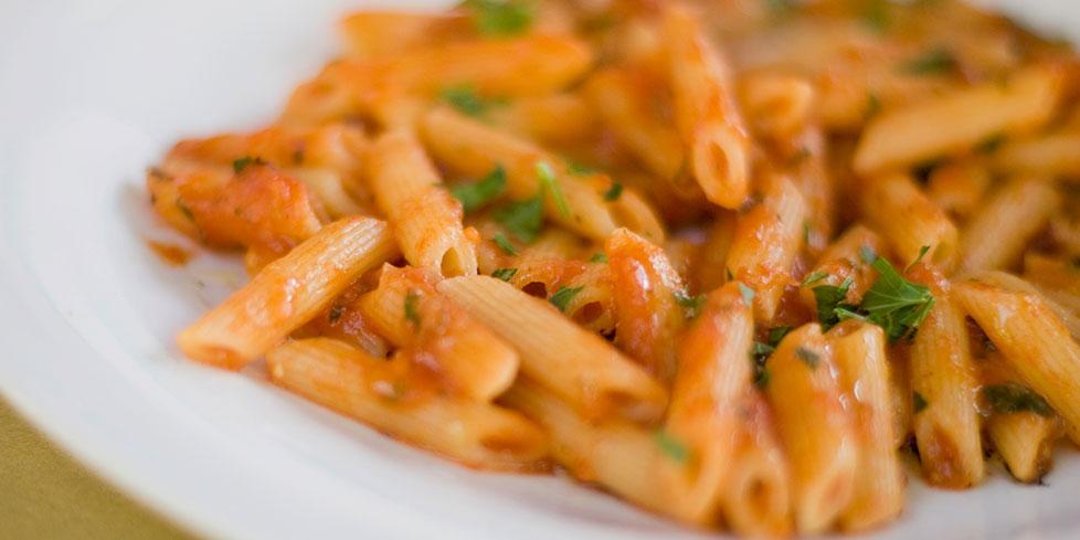 Ricetta pasta al sugo con olive