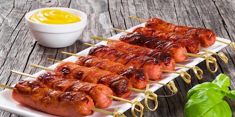 Spiedini caldi e freddi 5 ricette da provare negroni for Cucinare wurstel al forno