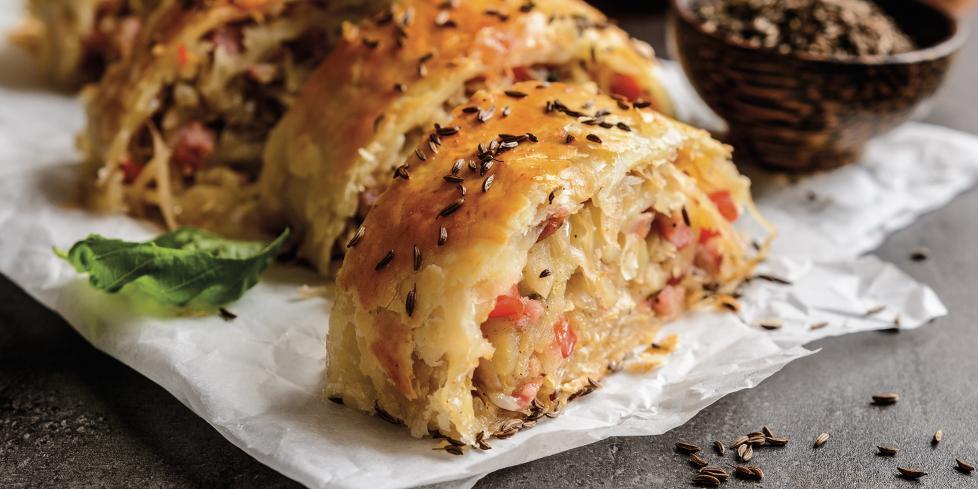 Strudel salato con prosciutto cotto e funghi, la ricetta