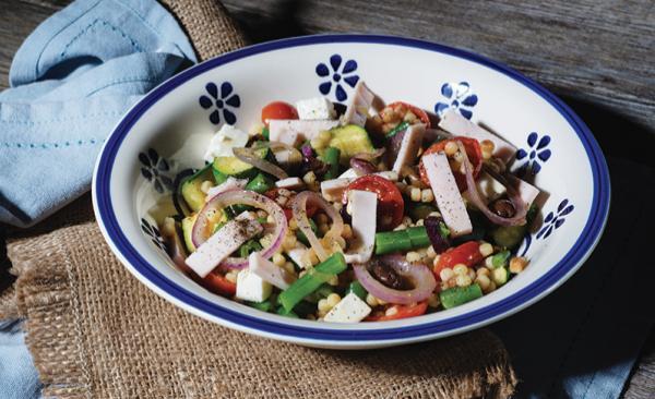 Fregola fredda con zucchine, prosciutto cotto e pomodorini