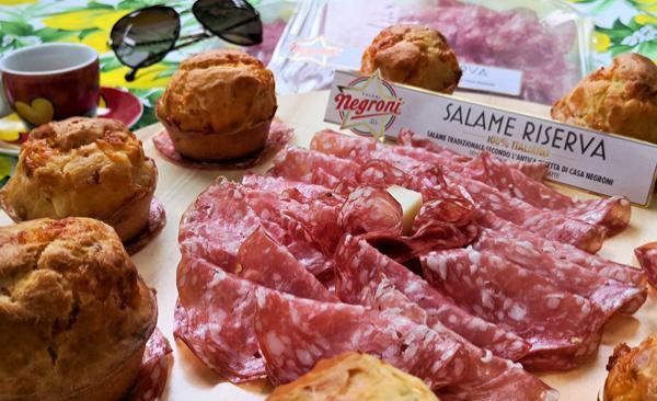 Muffin salati con salame e provola