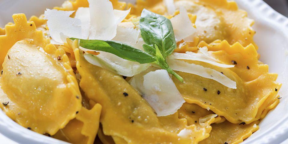 Ricetta Ravioli Alla Zucca.Ravioli Di Zucca Fatti In Casa Negroni