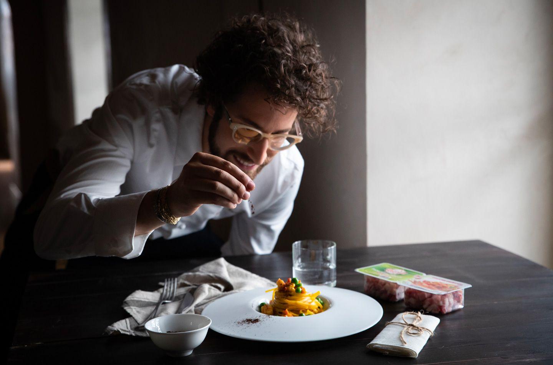 Linguina carbonara di gambero e pancetta dolce e piselli