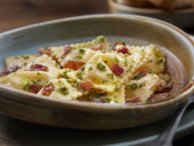 Ravioli con pancetta e ricotta