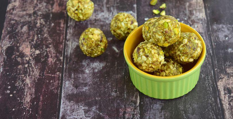 Tartufi salati con mortadella, ricotta e pistacchio