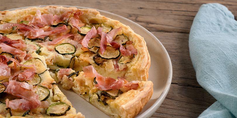 Torta salata con zucchine, scamorza e prosciutto cotto
