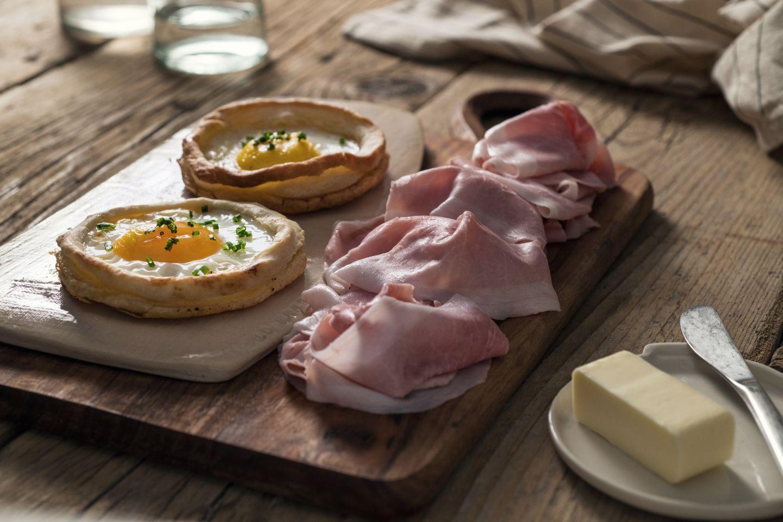 Uova in pasta sfoglia con prosciutto cotto
